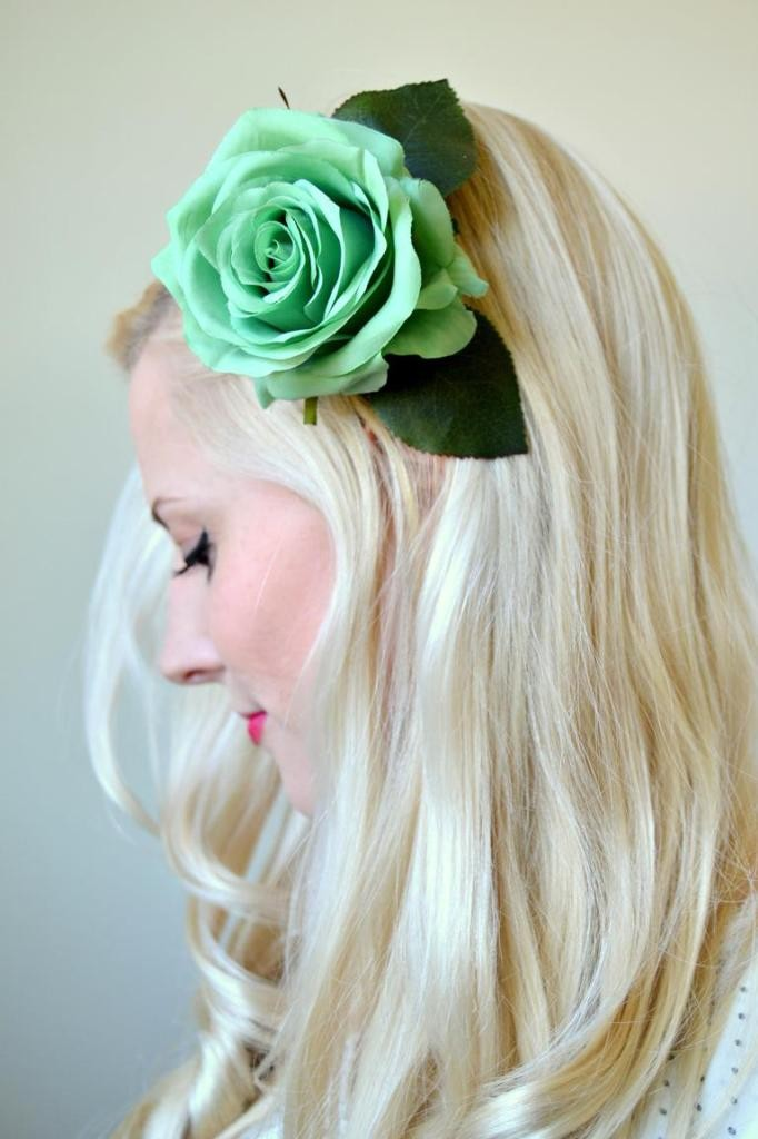 Tattooed-Martha-DIY-Hair-Flower-Clips-4