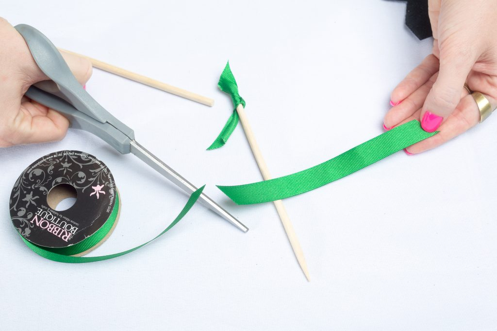 ribbon-cocktail-stirrers-diy-party-supplies