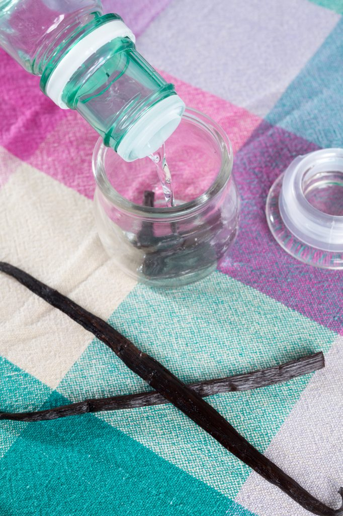use-alcohol-to-make-your-own-vanilla-extract-recipe