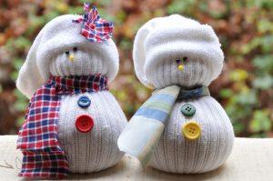 sock-snowmen-diy-pinterest-christmas-crafts