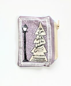 the-lion-the-witch-and-the-wardrobe-book-pouch-book-purse_light