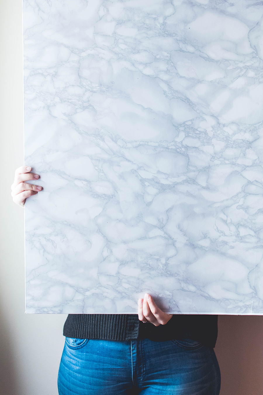 Make this marble DIY photography background