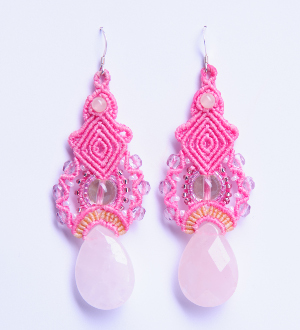lillianeelysian_macrameearrings Pink charms