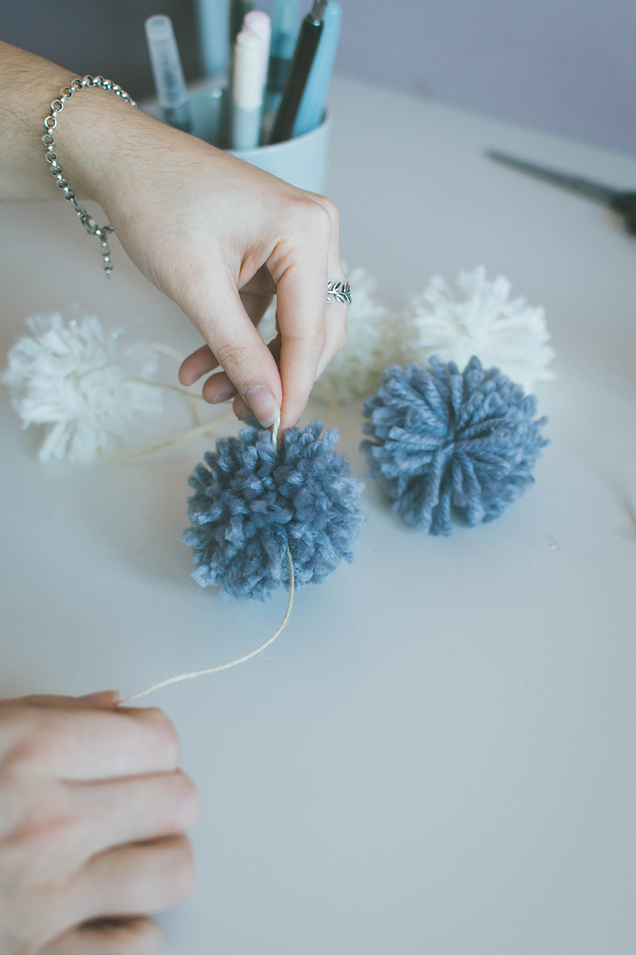 DIY Pompom Garland How To Assemble