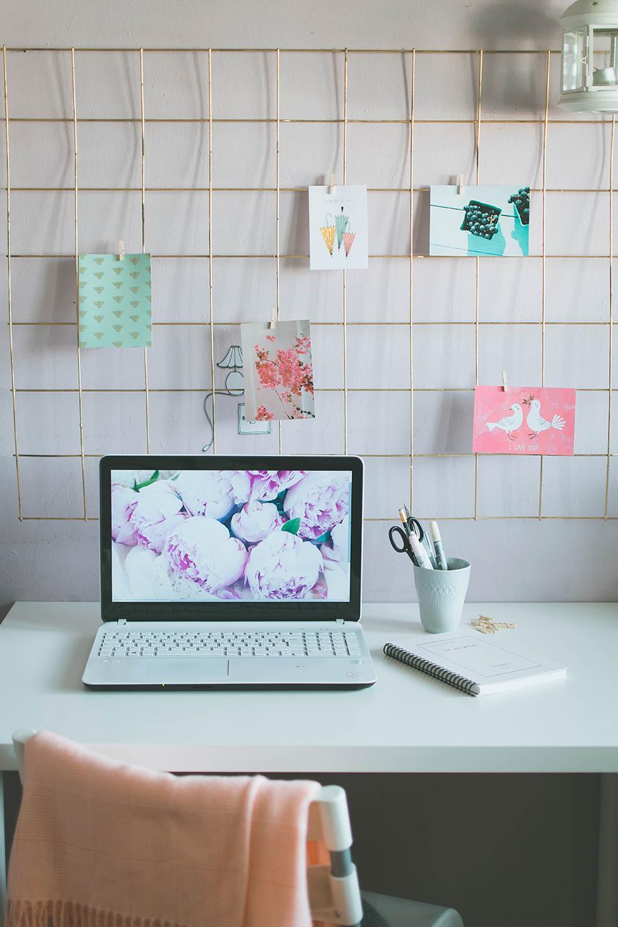 How to make a DIY Grid Mood Board Tutorial